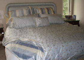 Reversible Silver Bedroom Set With Matching Headboard